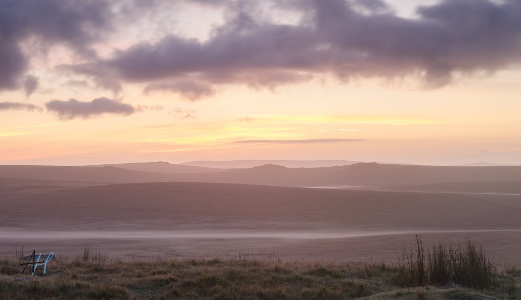 Dartmoor National Park; Devon; photography; sunrise; view; colour; pink;